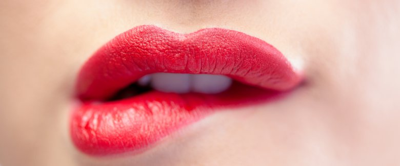 /pictures/2015/01/04/guida-all-uso-del-rossetto-per-principianti-2694650681[3763]x[1572]780x325.jpeg